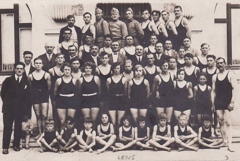 Les piscines lensoises et leurs clubs de natation dans La ville pisc001