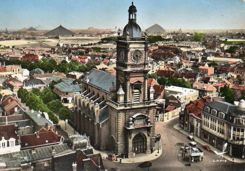 Depuis mille ans, l'église Saint Léger domine Lens dans Histoire stlg001