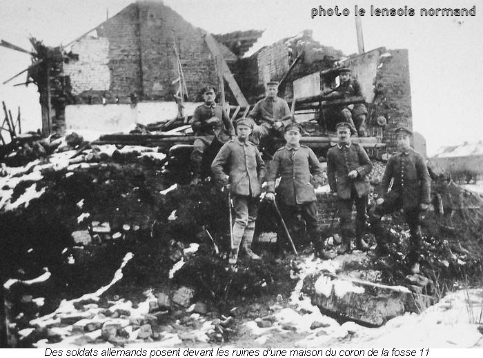 032 soldats allemands devant coron